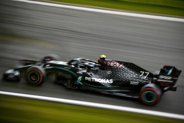 Valtteri Bottas sucht nach Antworten auf die Dominanz von Lewis Hamilton in Spa-Francorchamps - Foto: LAT Images