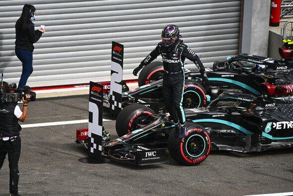 Lewis Hamilton steht in Spa auf der Pole - Foto: LAT Images