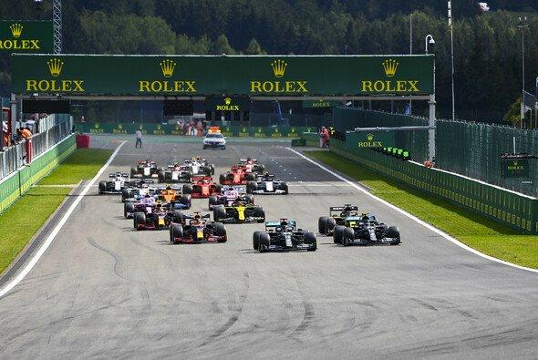 Mercedes ist in der Formel 1 momentan vom Start weg das Maß aller Dinge - Foto: LAT Images