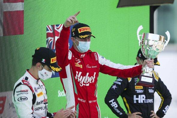 Frederik Vesti feierte 2020 schon Siege in der Formel 3 - Foto: LAT Images
