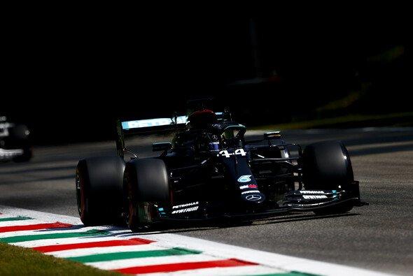 Die Mercedes-Piloten sind in Monza nicht auf Windschatten angewiesen - Foto: LAT Images