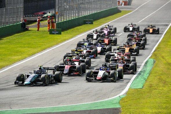 Die Formel 2 fährt in Monza endlich wieder - Foto: LAT Images