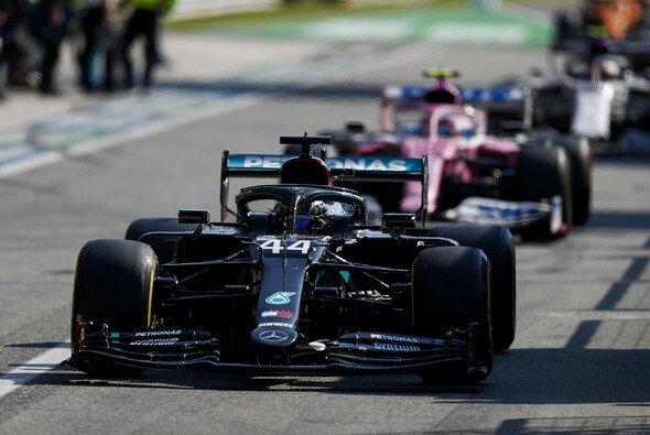 Für Lewis Hamilton wurde die Safety-Car-Phase in Monza zum Desaster - Foto: LAT Images