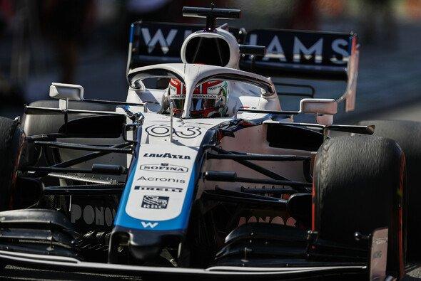 George Russell wartet nach 30 Formel-1-Rennen weiter auf seinen ersten WM-Punkt - Foto: LAT Images
