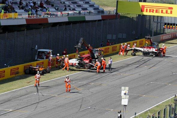 Viel Schrott beim Formel-1-GP von Mugello - der Crash bleibt in Sotschi Thema - Foto: LAT Images