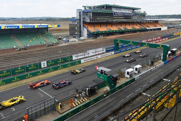 Fast volles Grid, komplett leere Tribünen: Le Mans 2020 ist beispiellos - Foto: LAT Images