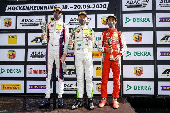 Bernier (l.) feierte seinen ersten Saisonsieg - Foto: ADAC Formel 4