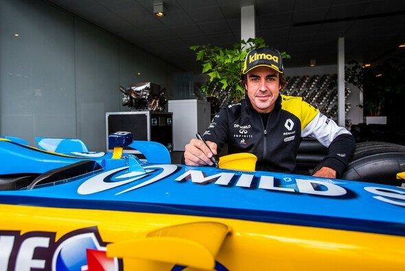 Fernando Alonso ist zurück an alter Wirkungsstätte - Foto: Renault F1 Team