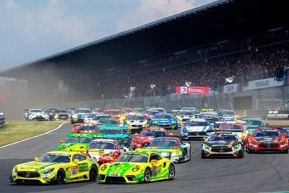 Die Zukunft des 24h-Rennen Nürburgring ist langfristig gesichert - Foto: Porsche AG