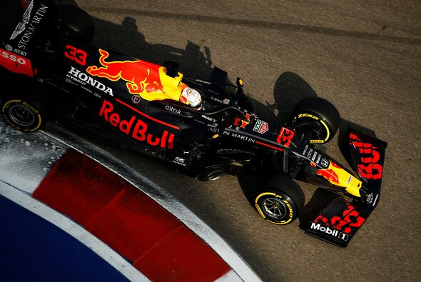 Max Verstappen fürchtet in Russland um seinen Stammplatz hinter Mercedes - Foto: LAT Images