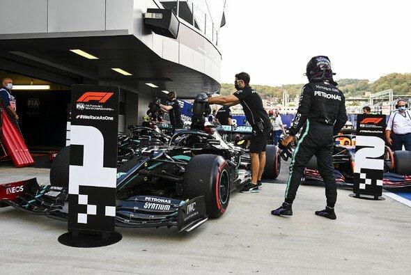 Lewis Hamilton fuhr im Qualifying von Sotschi die schnellste Zeit - Foto: LAT Images