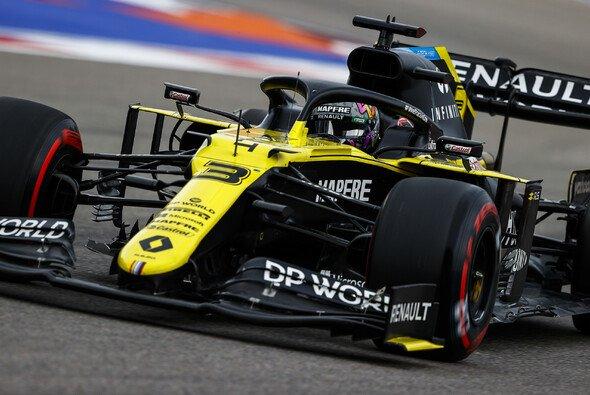 Daniel Ricciardo fährt mit Renault aktuell von einem Top-Ergebnis zum nächsten - Foto: LAT Images