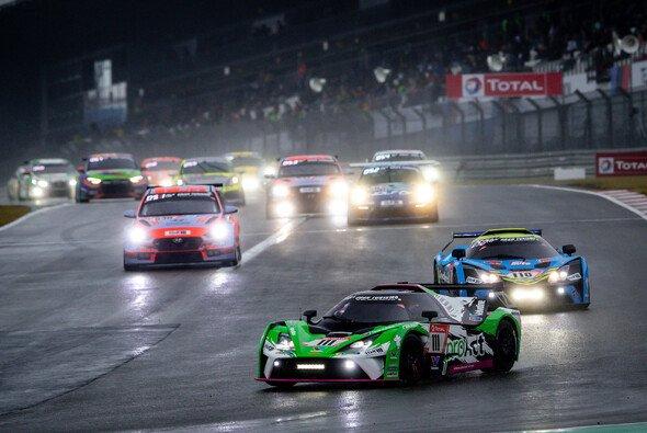Bei den 24h Nürburgring kämpfte das ganze Feld gegen die Verhältnisse - Foto: 24h Nürburgring