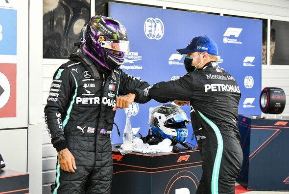 Lewis Hamilton und Valtteri Bottas am Samstag beim Russland-GP - Foto: LAT Images