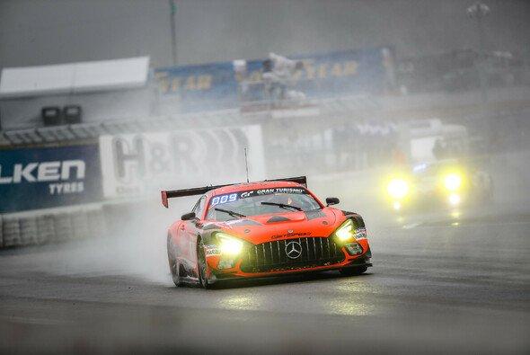 Mercedes beim 24h-Rennen im doppelten Unglück - Rennen abgebrochen - Foto: Gruppe C GmbH