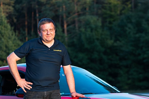 Helmut Fehl war von der ersten Stunde an in die Zusammenarbeit mit Porsche Motorsport involviert - Foto: Goodyear