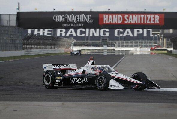 Dritter Saisonsieg für Josef Newgarden - Foto: IndyCar