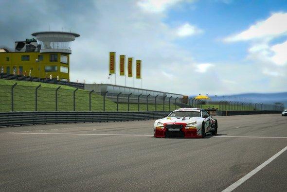 Erster Triumph: Nach einem glänzenden Schlussspurt gewinnt Gergo Baldi am Sachsenring - Foto: ADAC Motorsport