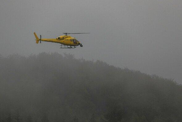 Der Rettungshubschrauber sorgte dafür, dass die Trainings am Nürburgring ins Wasser fielen - Foto: LAT Images