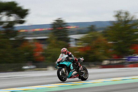 Fabio Quartararo steht auf Pole Position - Foto: LAT Images