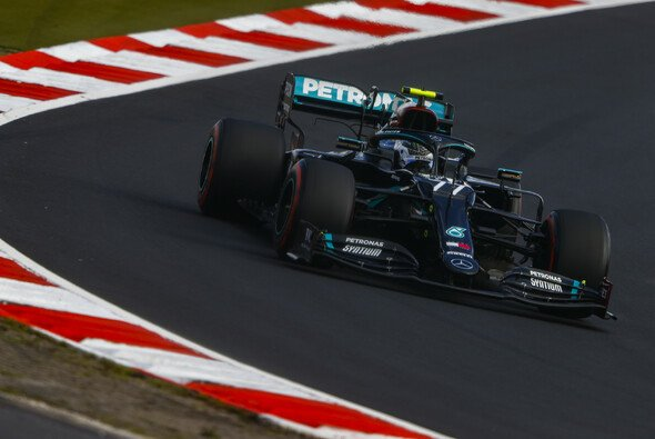 Valtteri Bottas startet beim Comeback der Formel 1 auf dem Nürburgring am Sonntag von der Pole Position - Foto: LAT Images