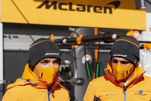 Die McLaren-Piloten Lando Norris und Carlos Sainz haben mit den Updates am MCL35 kein gutes Gefühl - Foto: LAT Images
