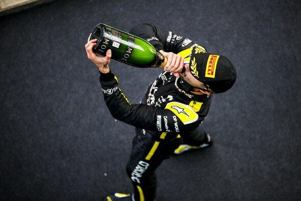 Daniel Ricciardo erlöste Renault am Nürburgring mit dem ersten Podium seit der Werks-Rückkehr - Foto: LAT Images