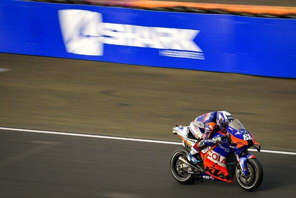 Miguel Oliveira zeigt in FP4 auf - Foto: MotoGP.com