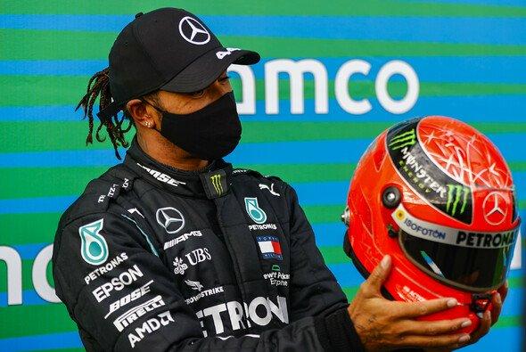 Lewis Hamilton stellte auf dem Nürburgring Michael Schumachers Sieg-Rekord ein - Foto: LAT Images