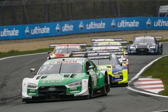 Nico Müller ärgert sich nach Platz zwei tierisch über Audi-Kollege Jamie Green - Foto: DTM