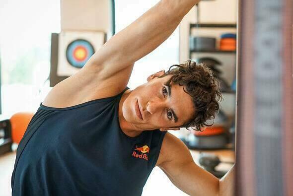 Marc Marquez schuftet im hauseigenen Fitnessstudio - Foto: Facebook/Marc Marquez