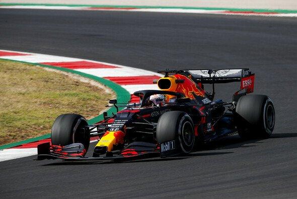 Max Verstappen konnte sich über einen nur geringen Rückstand auf Mercedes nicht freuen - Foto: LAT Images