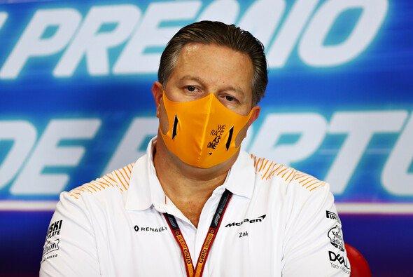 Zak Brown will zu engen Zusammenarbeiten zwischen Formel-1-Teams einen Riegel vorschieben - Foto: LAT Images