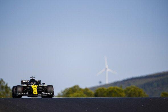 Renault schwächelt in der Algarve, eine Windböe führt zu einem Qualifying-Unfall von Daniel Ricciardo - Foto: LAT Images