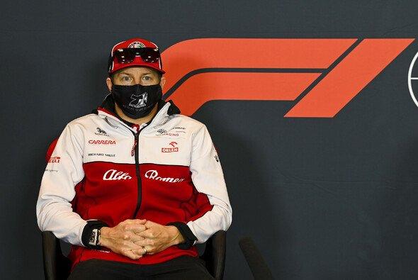 Begeistert wie immer: Kimi Räikkönen plauderte über seinen neuen Alfa-Vertrag - Foto: LAT Images