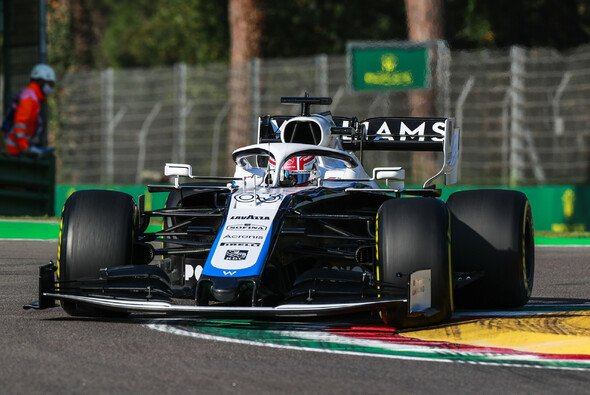 George Russell crashte in Imola hinter dem Safety Car - Foto: LAT Images