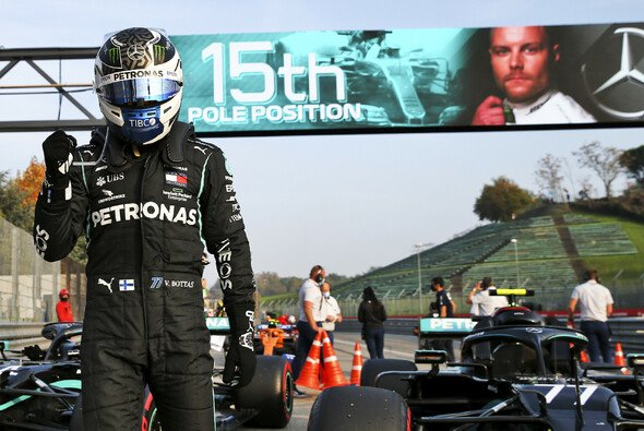 Valtteri Bottas holte sich in Imola seine 15. F1-Pole - Foto: LAT Images