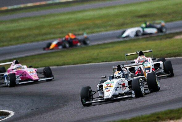 DMSB und ADAC wollen sich gemeinsam um den Motorsport-Nachwuchs kümmern - Foto: ADAC Formel 4