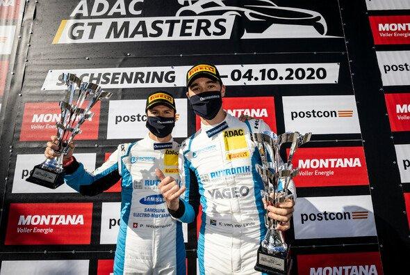 Tabellenführer und Titelverteidiger: Patric Niederhauser und Kelvin van der Linde - Foto: ADAC GT Masters