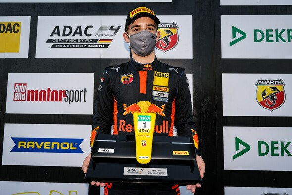 Jonny Edgar ist neuer Champion der ADAC Formel 4 - Foto: ADAC Formel 4