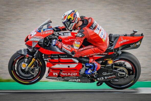 Ducati legte im Vergleich zum ersten Valencia-GP deutlich zu - Foto: MotoGP.com