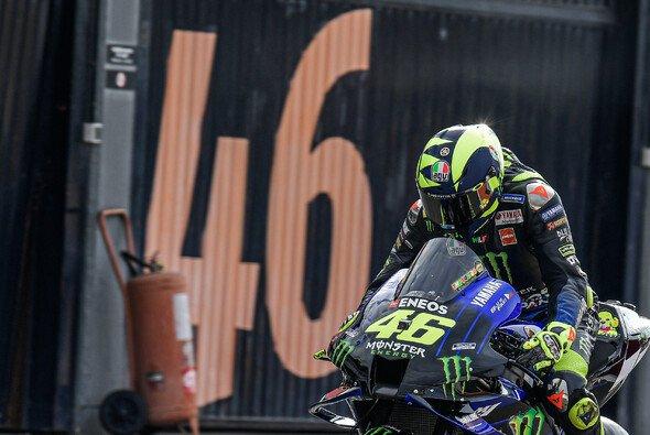 Valentino Rossi ärgert sich wieder einmal über Yamaha - Foto: MotoGP.com