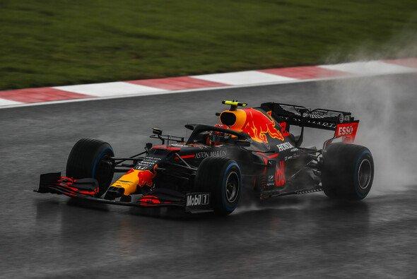 Alexander Albon war von den Zuständen im Formel-1-Qualifying für den Türkei GP nicht begeistert - Foto: LAT Images