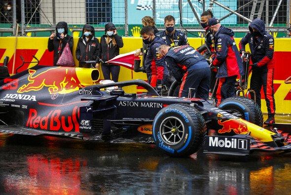 Max Verstappen konnte im Regen von Istanbul nicht brillieren - Foto: LAT Images