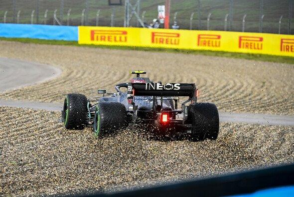 Valtteri Bottas im Kies: Nicht sein einziger Fahrfehler beim Formel-1-Rennen in der Türkei - Foto: LAT Images