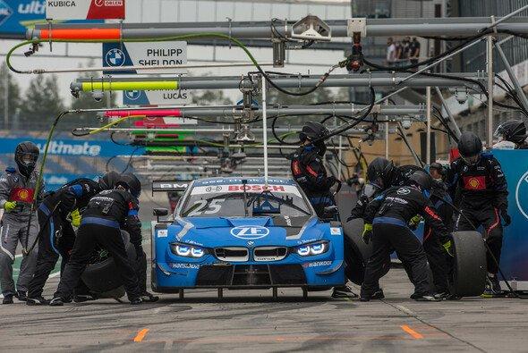 Das BMW Team RBM gewinnt 2020 den Best Pit Stop Award von Hankook - Foto: BMW Motorsport