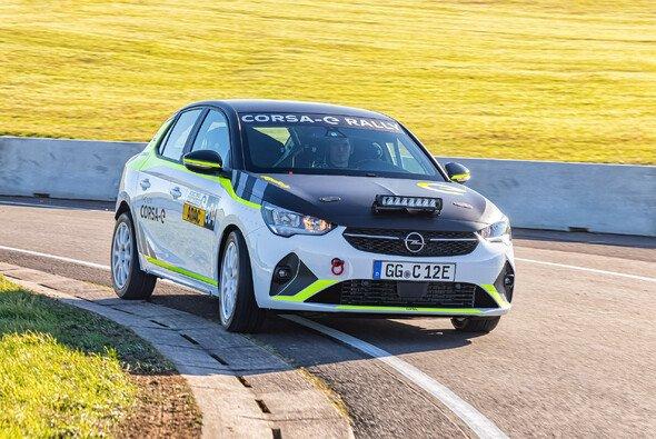 Der Opel Corsa-e Rally im Testeinsatz - Foto: ADAC Motorsport