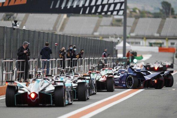 McLaren könnte 2022/23 (Saison 9) in die Formel E einsteigen - Foto: LAT Images