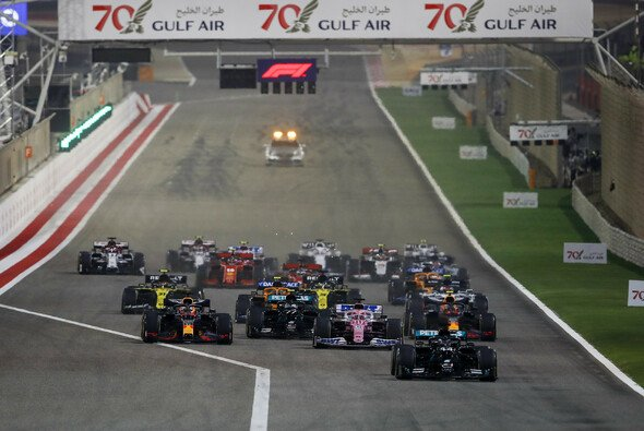 Die Formel 1 startet in Sakhir später als am ersten Wochenende in Bahrain - Foto: LAT Images