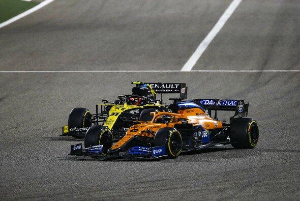 McLaren meldete sich in Bahrain mit einem starken Rennen im Kampf um Platz drei zurück - Foto: LAT Images